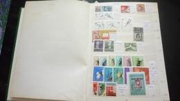 F01035 ALBUM TIMBRES MONDE NEUFS / OB A TRIER  COTE++ POIDS 0.710KG DÉPART 10€ - Stamps
