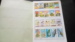 D048 CARNET A CHOIX TIMBRES MONDE A TRIER  COTE++ POIDS 0.140KG DÉPART 5€ - Stamps