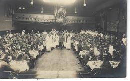 69 - LYON - T.B Carte Photo Animée D'un Réfectoire De Blessés De Guerre 1914/18 ( Infirmières , Chirurgiens ) - Lyon