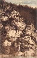 En Barquette De CHINY à LACUISINE - Grand Rocher Du Hat - Chiny