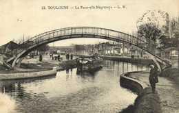 TOULOUSE  La Passerelle Négreneys L.M Personnages Peniche RV - Toulouse