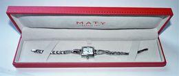 MAGNIFIQUE MONTRE MATY FEMME NEUVE AVEC TOUTES SES PASTILLES ET SON COFFRET A VOir Tres Luxueuse - Horloge: Luxe