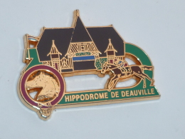 Pin's HIPPODROME DE DEAUVILLE - Badges