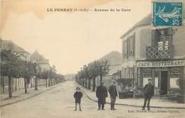 LE PERRAY - Avenue De La Gare.(avec Le Facteur) - Le Perray En Yvelines