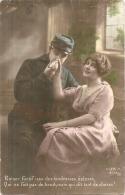 ***  76  *** MILITARIA  - PATRIOTIQUE  ***  Baiser Furtif  ..  écrite  1916 - Patriottiche
