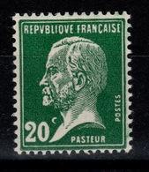 YV 172 N** Pasteur Cote 5,70 Euros - France