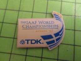210A Pin's Pins / Beau Et Rare : Thème SPORTS : ATHLETISME IAAF WORLD CHAMPIONSHIP ATHENS 1997 - Athletics
