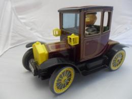VOITURE ANCIENNE  EN TOLE   LONG 20 CM  LARGEUR 10 CM - Toy Memorabilia