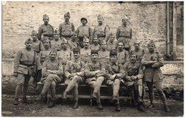 Groupe De Soldats Du 127ème Régiment D'infanterie - Carte-photo Non Située - Regiments