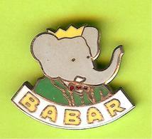 Pin's BD Babar Costume Vert (Babar Éléphant) - 2D29 - Comics