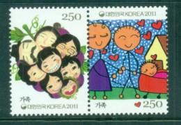 Korea 2011 Family Pr MUH Lot83037 - Korea (...-1945)
