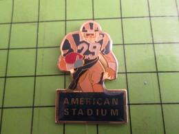 210A Pin's Pins / Beau Et Rare : Thème SPORTS : FOOTBALL AMERICAIN AMERICAN STADIUM - Athletics