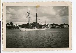 Bateau  Voilier Id Dos BENODET 30s 1934 29 29950 Finistere BRETAGNE Village Ville Ocean - Schiffe