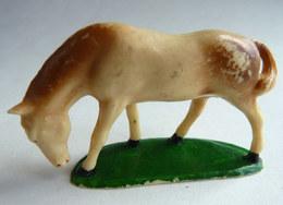 FIGURINE STARLUX  - ANIMAUX ANIMAL DE LA FERME - 1953 542 CHEVAL TETE BAISSEE  Pas Clairet - Figurines