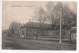 80. 502/ MONTIERES - Les écoles - France