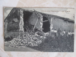 Wirkung Einer Fliegerbombe In Einer Schaune - Militares