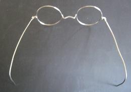 PAIRE DE LUNETTESS ANCIENNES RONDES (monture En Métal Sans Verre) - Brillen