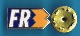 PIN'S //  ** LOGO  / FR3 ** . (Ferrier) - Medias