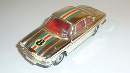 Voiture Miniature Au 1/43ème Par DINKY TOYS MECCANO MADE IN FRANCE: Peugeot 404 Rouge Au Toit Ouvrant, Modèle 536 /1965 - Corgi Toys