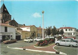 Vendée BEAUVOIR SUR MER La Grande Place Pharmacie Automobiles - Beauvoir Sur Mer