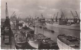 """CPSM :  Le Havre , Le Port , Péniches Et Bateaux ( """" Mont Des Rats """" , """" Hoperioge """" """" Albert Faroult """" ) - Péniches"""