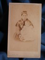 Photo CDV J. Maes à Anvers - Employée De Maison, Nourrice Avec Un Bébé, Circa 1865 L396 - Photos