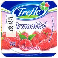 "Opercule Cover Yaourt Yogurt "" Trèfle "" Aromatisé Fraise Strawberry New Design Yoghurt Yoghourt Yahourt Yogourt - Opercules De Lait"