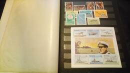 F01036 ALBUM TIMBRES ET BLOCS MONDE NEUFS / OB A TRIER POIDS 0.860KG DÉPART 10€ - Stamps