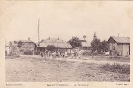(24)    VAUX EN VERMANDOIS - Le Faubourg - Autres Communes