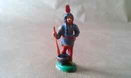 FIGURINE INDIENNE Squaw Avec Pilon CLAIRET - Militaires