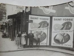 Photographie De La Publicité Vichy Saint-Yorre. - Lieux