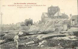- Dpts Div.-ref-AC813- Manche - Barfleur - Rochers Près De L Entree Du Port Et L Eglise - Pecheur De Crevettes - - Barfleur
