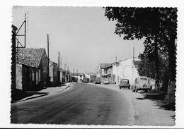 17  CROIX  CHAPEAU LA ROUTE NATIONALE   VOITURES  STATION SHELL PAS COURANTE  1958    BON ETAT   2 SCANS - Altri Comuni