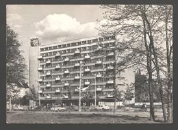 Wroclaw - Blok Mieszkalny Przy Placu Grunwaldzkim - Vintage Car - Polonia