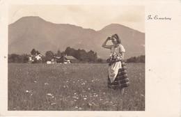 AK Frau Mit Blumen Auf Feld - In Erwartung - 1941 (36592) - Frauen