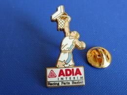 Pin's Arthus Bertrand - Basket Basketball - Adia Interim - Racing Paris - Zamac (AB63) - Basketball