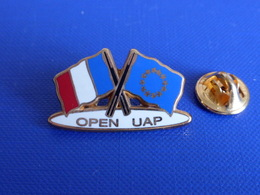 Pin's Open UAP - Drapeau France Et Europe - Voile Golf Tennis ? - Course Tournoi - Zamac Starpin's (PQ36) - Sailing, Yachting