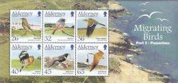 United Kingdom - Alderney Block15 (complete.issue.) Unmounted Mint / Never Hinged 2004 Migratory: Sperlingsvögel - Alderney