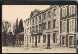 14116 . LISIEUX . COURS SECONDAIRE DES JEUNES FILLES . ND   .  2 SCANS . ANIMEE . - Lisieux