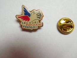 Beau Pin's  , Association , Secours Populaire Français , SPF - Associations