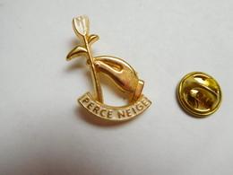 Beau Pin's En Relief , Association, Lino Ventura , Perce-Neige - Fondation D'aide Aux Personnes Handicapées - Associations