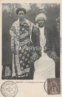 ANJOUAN Un Bourgeois Et Sa Femme Opi28 - Postcards