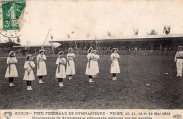 S505 - Cpa 03 Vichy -  Fête De Gymnastique -  Mouvements De Gymanastique Rationnelle éxécutés Par Les Pupilles - Vichy