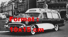 Reproduction D'une Photographie Ancienne D'une Buick Ambulance En 1955 - Reproductions