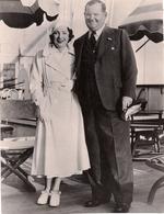 Oliver Hardy Et Son épouse - 1933 - Célébrités