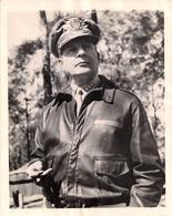 Général Douglas Mac Arthur - 1944 - Célébrités