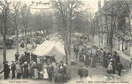 - Dpts Div.-ref-AC776- Indre Et Loire - Bléré - Mail Victor Hugo - Jour De Marché - Marchés - Carte Bon Etat - - Bléré