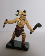 Soldatino In Lega Metallica (DIPINTO A MANO) - Indiano Urone Con Pugnale E Mazza - Small Figures