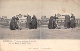 56-QUIBERON- FEMME VANNANT LA RECOLTE SUR LES QUAIS DE SAINT-PIERRE - Quiberon