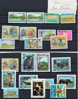CENTRAFRIQUE--voir Scans--port En Plus - Stamps